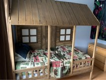 twin size House porch bed in Tinley Park, Illinois