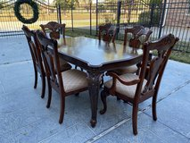 Pulaski Dining Table  6 Chippendale style chairs (2 with arms) Custom table pad in Tomball, Texas