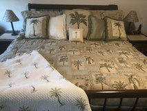 King Size Bedding set & more in Joliet, Illinois