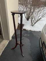 plant stand in Tinley Park, Illinois