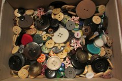 I'm looking for buttons. in Ramstein, Germany