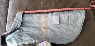 Winter Dog Coat Medium Excellent Condition approx 25 - 30 pounds in Westmont, Illinois