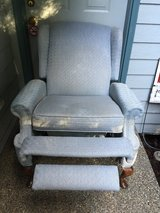 recliner in Fort Lewis, Washington