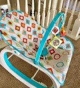 Bouncer, Rocker Seat (gently vibrates also) in Kingwood, Texas