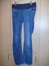 Old NavyMaternity Front Low-Panel Universal Straight Jeans (T=30) in Clarksville, Tennessee