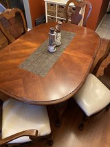 Dining Room table & 6 chairs in Plainfield, Illinois