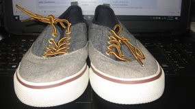 Old Navy Boys Canvas Shoes in Clarksville, Tennessee