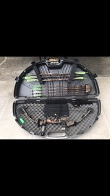 Mathews Solocam FX Bow and accessories in Clarksville, Tennessee