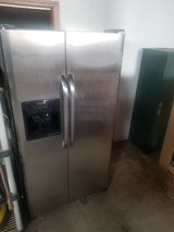 FRIGIDAIRE STAINLESS STEEL REFRIGERATOR in Plainfield, Illinois