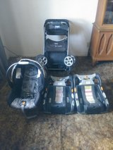CHICCO Infant Carseat, Stroller & 2 Bases in Travis AFB, California