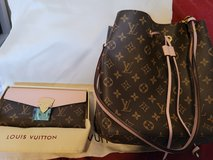 Brand New never been used! Matching Bag and Wallet in Fort Lewis, Washington