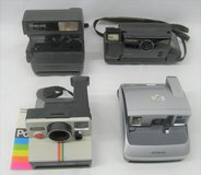 4 POLAROID CAMERAS - CAPTIVA - ONE STEP - ONE STEP CLOSE UP - ONE600 in Naperville, Illinois