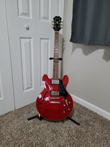 Electric Guitar Epiphone with case in Camp Lejeune, North Carolina