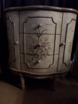 Hand Painted 3 Drawer 2 Door Half Round Console Cabinet in Alamogordo, New Mexico