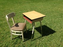 reduced to $50 School/homework desk and chair in Spring, Texas