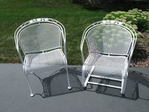 Woodard Briarwood Wrought Iron Barrel Chair & Barrel Spring Coil Chair in Naperville, Illinois
