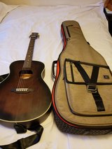 Luna Acoustic with Gator Case in Fort Leonard Wood, Missouri