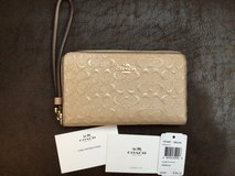 Coach leather phone case / wristlet, NWT in Fort Campbell, Kentucky
