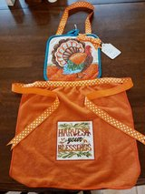 NEW Hand Made Child's Apron #15-2 Thanksgiving Decor in Warner Robins, Georgia