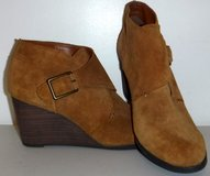 New! Lucky Brand Sz: 8.5M Sumarah Suede Wedge Ankle Boots / Booties in Naperville, Illinois