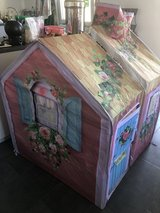 Girls Large Fabric Play House in Wiesbaden, GE