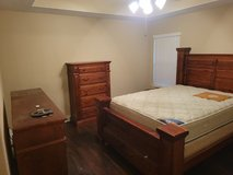 king size bedroom set in Baytown, Texas