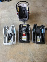 GRACO Snugride Carseat and bases in Fort Campbell, Kentucky