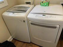 Washer and dryer in Cherry Point, North Carolina