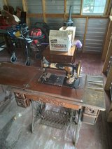 Old singer sewing machine in Beaufort, South Carolina