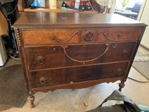 Old 3 drawer dresser in Fort Campbell, Kentucky
