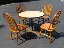 Table & Chairs in Naperville, Illinois