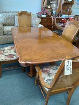 Dining Table, 6 Chairs, 1 Leaf in Naperville, Illinois