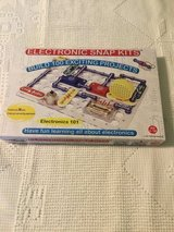 Snap Circuits Electronics 101 kit in Naperville, Illinois