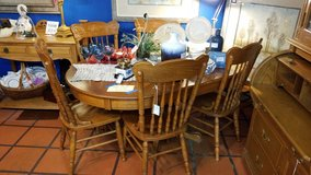 Oak Table & 6 Chairs with 2 Leaves #1974-635 in Camp Lejeune, North Carolina