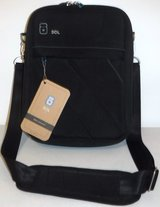 New! Sol Padded Tablet / Ipad Crossbody Messenger Bag in Naperville, Illinois