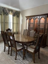 Dining room set in Morris, Illinois