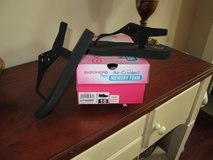 womens Sketchers Sandals in Beaufort, South Carolina