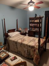 4 Piece Youth Bedroom Set in Naperville, Illinois