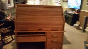 Large roll top desk in Fort Campbell, Kentucky