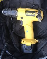 18v DEWALT DRILL 2 batteries and charger in Fort Campbell, Kentucky