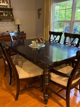 table and chairs in Beaufort, South Carolina