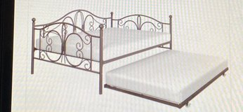 Twin daybed with trundle in Alamogordo, New Mexico