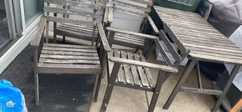 """5pc wooden patio set. . Need some fresh paint. 49"""" x27.5""""d x28"""" h. Very sturdy. Cash. No hold. ASAP in Naperville, Illinois"""
