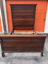 Antique Solid Qtr Oak Hi Back Bed/Dresser w/ Beveled Mirror in Cherry Point, North Carolina