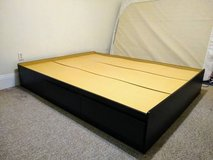 Platform bed with 2 drawers in New Orleans, Louisiana