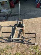 Used Lawn Mower LIFT in Fort Campbell, Kentucky