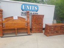 King bedroom set in Fort Campbell, Kentucky