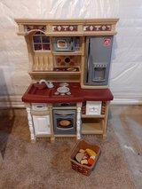 Step 2 kids kitchen with play food in Morris, Illinois