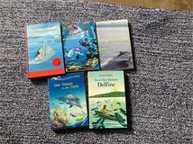 5 chapter books about dolphins (German Language) in Stuttgart, GE