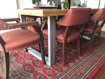 Modern dining room table and 6 chairs in Stuttgart, GE